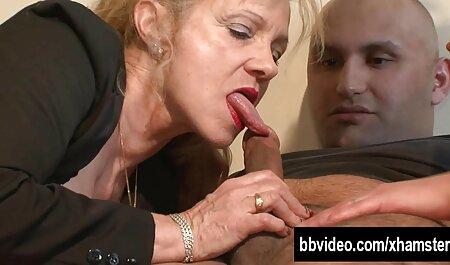 Szexi fekete Milf rábaszik, majd dohányzik, szexel. ingyen porno film