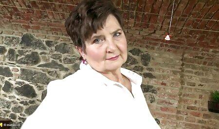 Háziasszony, meg az ingyen pornó letőltés orgazmikus konyha asszisztens