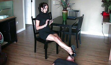 Busty vörös ingyen sex videók maszturbál vele vibrátor