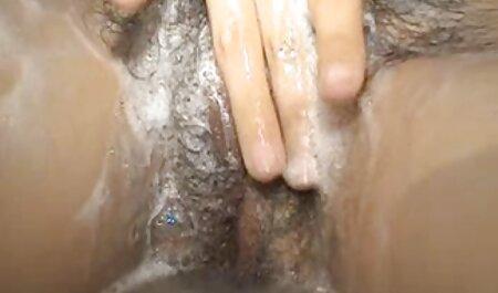 Szexi szőke magyarul beszélő szex hosszú haj terjed a lábát