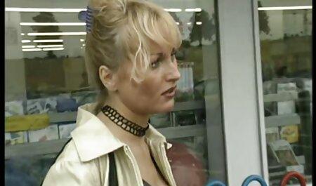Janee maszturbál egy üveg vibrátor játék. pormo ingyen