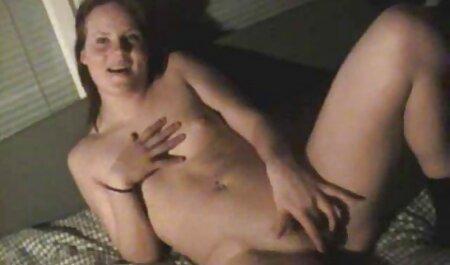 játszik egy hatalmas ingyen porno film dildó