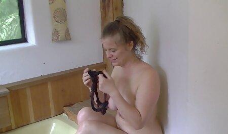 Csinos online porno filmek lány vesz kakas