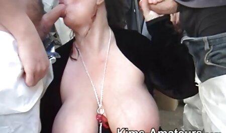 A Firebird lesz online szex videok lógott, miközben maszturbál.