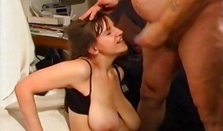 Édes ingyen pornó film Sarah maszturbál vele punci