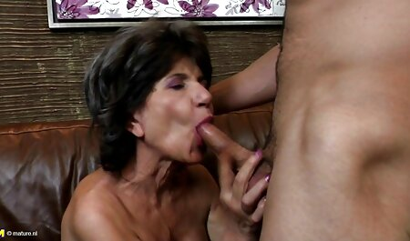 # Busty térdén szopni ingyen sexfilm #