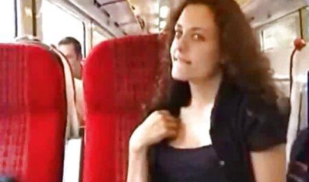 Érzéki, amatőr szőke dörömböl a kamera ingyen pornó előtt.
